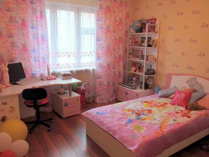 Дизайн детской комнаты в серых тонах