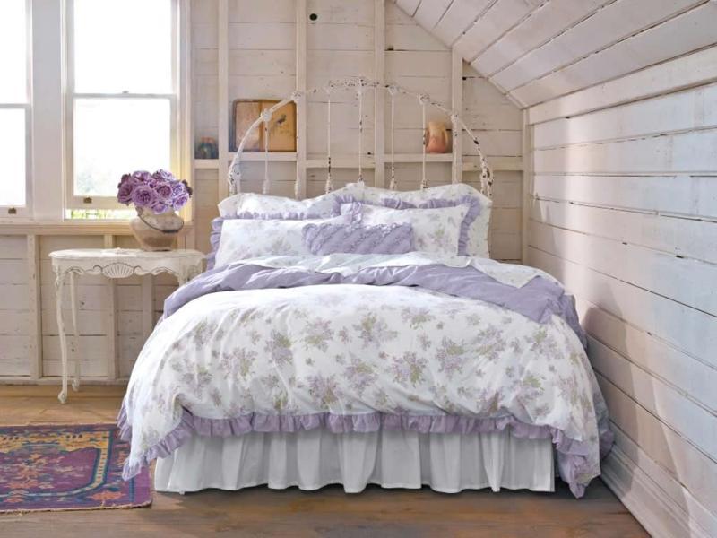 Дизайн спальни с розами