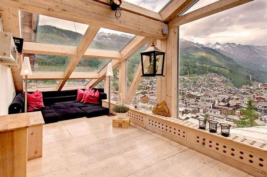 Стеклянная крыша дома, как продумать конструкцию, своими рук.