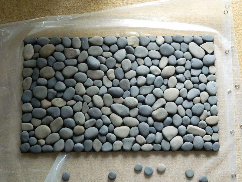 Коврик для ванны из камней своими руками