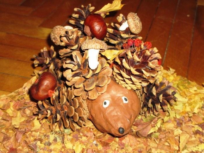 Поделки на тему осень своими руками для детского сада из шишек ежик 32