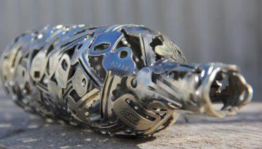 Произведения искусства Бутылка из ключей