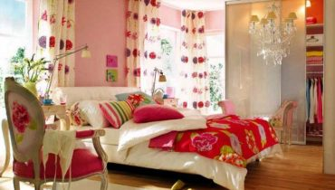 Красочная спальная комната