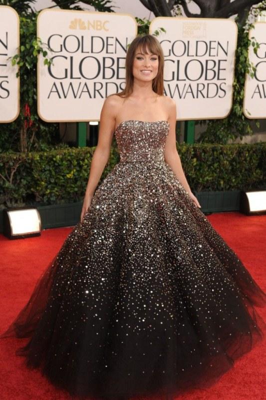 9cb77048eafb851 Одно из самых красивых платье в мире принадлежит американской кинозвезде  Оливии Уайльд. В своем новом наряде звезда блеснула в 2011 году на  церемонии ...