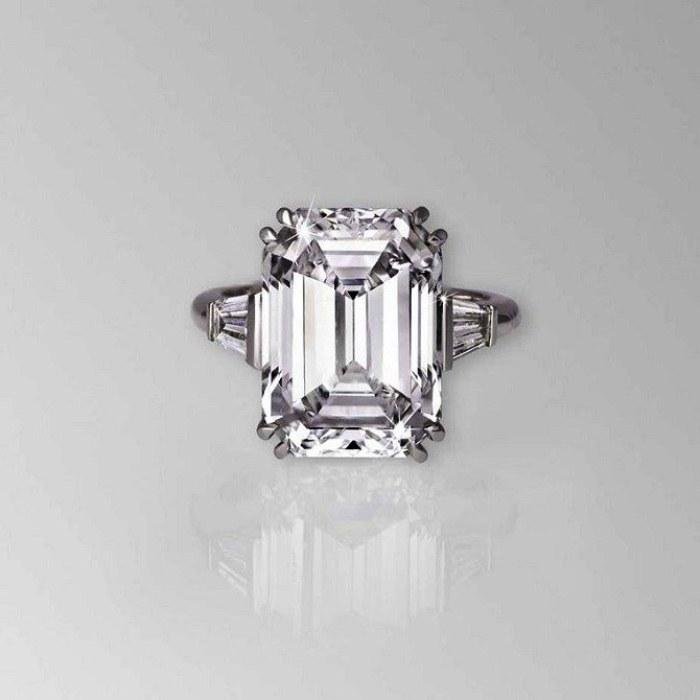 ce9454a6127e Кольцо с бриллиантом и изумрудом Графф – цена 3,0 миллиона долларов