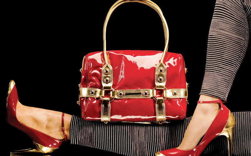How to look expensive Trick # 1Shoes-bag Fashion Tips : How To Look Expensive