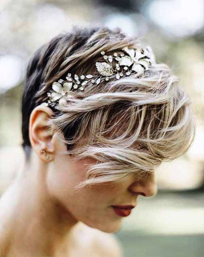 """Haircut """"pixie"""" with tiara and curled bangs Best Wedding Hairstyles for Short Hair"""
