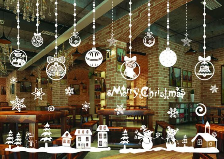 -окна-6 Украшения на окна к Новому году: 13 идей для праздничного настроения